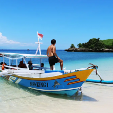 Explore Southeast Gilis and Pink Beach by TapMyTrip