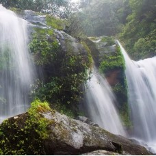 Pak Ou Cave & Kuang Si Waterfall Day Tour by TapMyTrip
