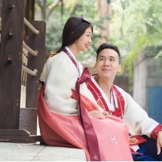 Bukchon Oneday Hanbok Rental Experience (4/24 Hrs) by TapMyTrip